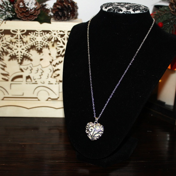Blue Gemstone Pendant w//Crystal Accents on Silver Chain Necklace Fashion Jewelry